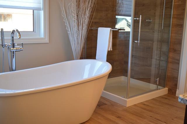 vana a sprchový kout