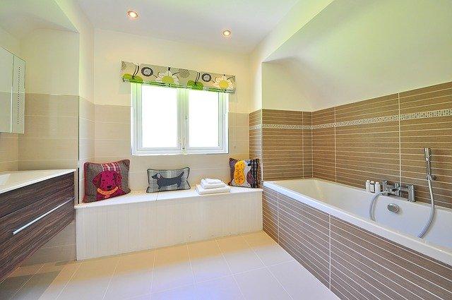 záclona v koupelně