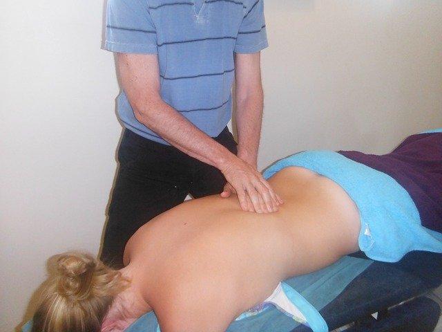 masáž zad