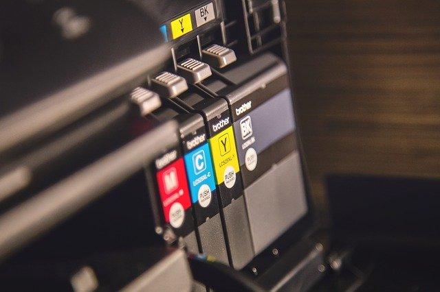 tonery v tiskárně