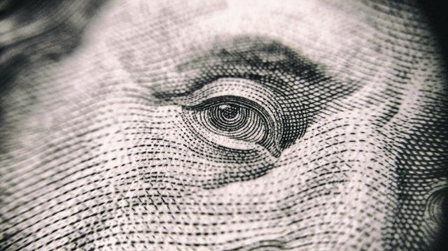 detail bankovky – oko