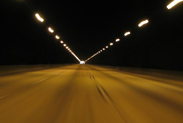 jízda v osvětleném tunelu.jpg